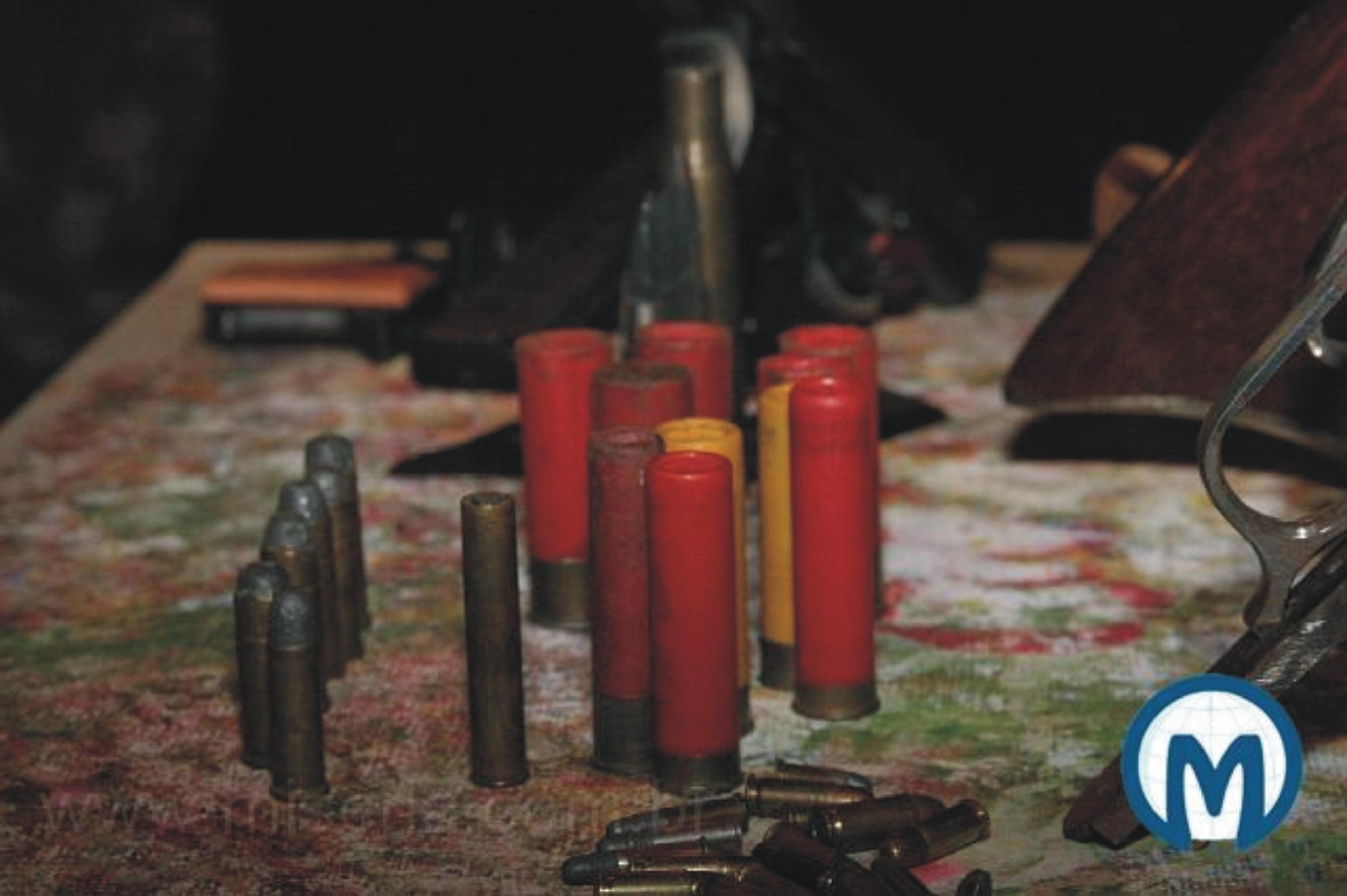 Juazeiro do norte ce pm apreende arsenal em oficina de for Oficina armas