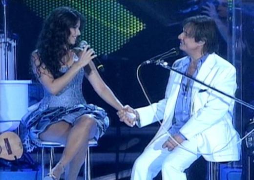 Roberto Carlos quer distância de Paula Fernandes depois dela ter dado ...