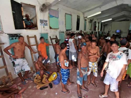 Aparador Antiguo Sevilla ~ Presídio em Recifeé a pior penitenciária do Brasil, diz
