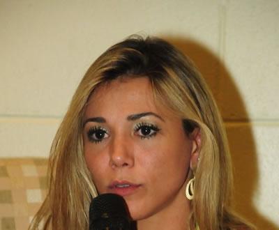 Ex-BBB Fabiana deve viver Rita Cadillac no cinema, diz jornal